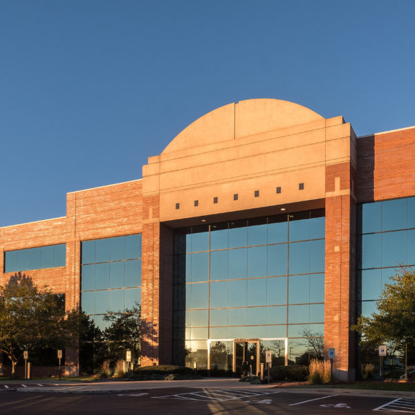 Front entrance of the Zeller managed Riverwood Corporate Center in Pewaukee, WI.
