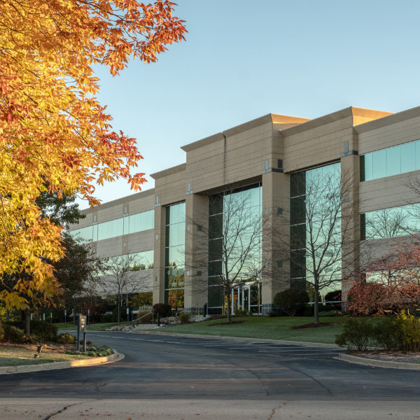 Front entrance of the Riverwood Corporate Center III managed by Zeller in Pewaukee, WI.