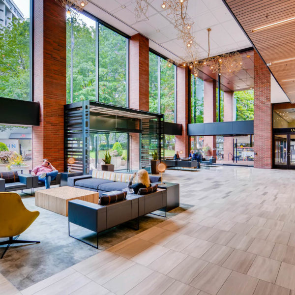 Umpqua_Main Lobby